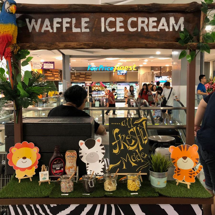 Wisteria-Mall1